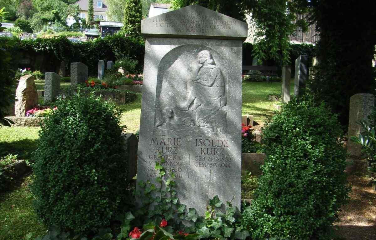 Grabmahl von Marie und Isolde Kurz